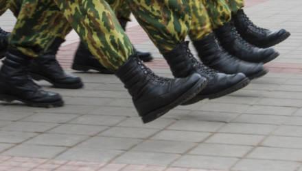 Белорусского солдата-срочника, который сбежал с полигона и направлялся к своей девушке, нашли