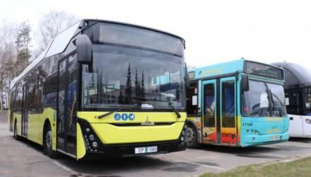 МАЗ изготовил первые 10 автобусов третьего поколения для Беларуси. Один из них уже перевозит пассажиров на Гомельщине – в Светлогорске