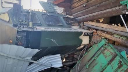 Ракетный комплекс врезался в деревенский дом в Осиповичском районе: части дома нет, хозяйка случайно уцелела