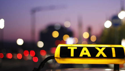 """""""Совсем забыл, что у меня самолёт в час дня"""". Когда поездка на такси запоминается надолго"""