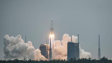 """Астрономы запечатлели """"бешеную"""" китайскую ракету в 700 км от Земли"""