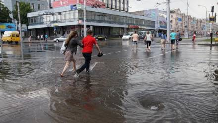 Оранжевый уровень опасности объявлен в Беларуси 20 мая из-за сильных дождей