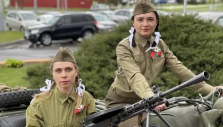 В канун Дня Победы автопарк № 6 Гомеля организовал выставку военной техники и оружия