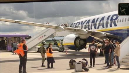 В Минске посадили пролетавший через страну самолёт. Задержан находившийся на борту Роман Протасевич