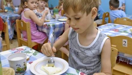 Сколько будет стоить питание в детских садах и школах после увеличения норм?