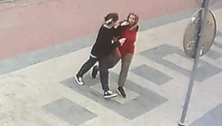 В Гомеле водитель ударил школьницу, которая переходила дорогу в неположенном месте – очевидец