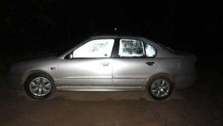 В Речице женщина-водитель за час до полуночи выпала из авто и попала под его же колёса. Она скончалась