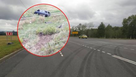 В Мозыре водитель BMW на скорости вошёл в поворот, перевернулся в кювете и оказался в реанимации