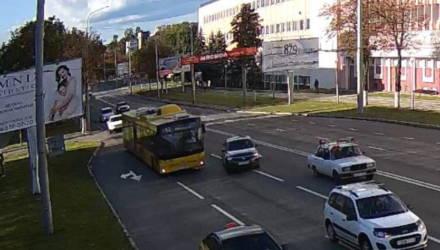В Гомеле женщина-водитель подрезала автобус: в салоне упала пенсионерка
