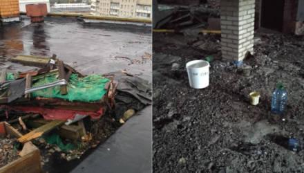 Гомельские коммунальщики придумали новую технологию: если крыша течет, нужно подставить ведро