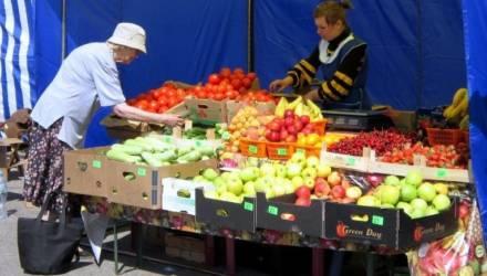 Репетиторы, квартиросдатчики, а также продавцы фруктов, овощей в ларьках и палатках должны будут иметь при себе кассовое оборудование