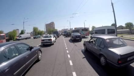 Автовладельцам в Беларуси начали выставлять к уплате транспортный налог